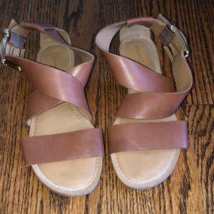 Women's Franco Sarto tan leather sandals. Size 6